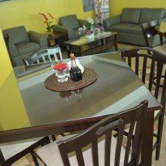 Отель Franchise One Hotel Филиппины, Макати - отзывы, цены и фото номеров - забронировать отель Franchise One Hotel онлайн питание фото 2
