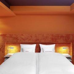 25hours Hotel The Goldman комната для гостей