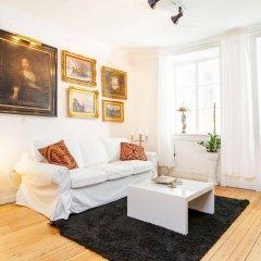 Отель Apartdirect Gamla Stan Стокгольм комната для гостей фото 5