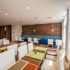 Отель Hampton by Hilton Santo Domingo Airport интерьер отеля фото 2