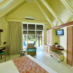 Отель La Pirogue A Sun Resort удобства в номере