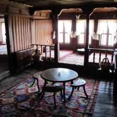 Отель Hadjigergy's Guest House Болгария, Сливен - отзывы, цены и фото номеров - забронировать отель Hadjigergy's Guest House онлайн интерьер отеля
