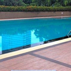 Отель Aunchaleena Grand Бангкок бассейн фото 2