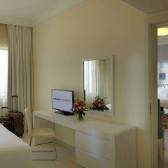 Отель DAMAC Maison Mall Street удобства в номере