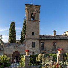 Отель Parador De Granada с домашними животными