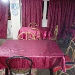 Отель Orient Gate Hostel and Hotel Иордания, Вади-Муса - отзывы, цены и фото номеров - забронировать отель Orient Gate Hostel and Hotel онлайн питание