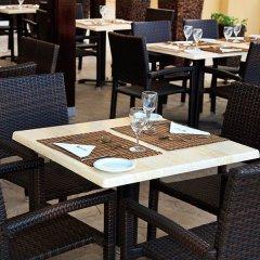 Отель Atlantica Sea Breeze Кипр, Протарас - отзывы, цены и фото номеров - забронировать отель Atlantica Sea Breeze онлайн питание