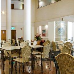 Отель Robertson Quay Hotel Сингапур, Сингапур - отзывы, цены и фото номеров - забронировать отель Robertson Quay Hotel онлайн гостиничный бар