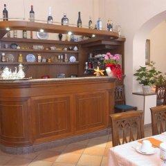 Отель Beatrice гостиничный бар