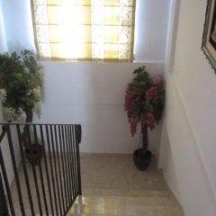 Отель Valentinos Villa Кипр, Протарас - отзывы, цены и фото номеров - забронировать отель Valentinos Villa онлайн интерьер отеля