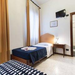 Отель Iris Venice Италия, Венеция - 3 отзыва об отеле, цены и фото номеров - забронировать отель Iris Venice онлайн комната для гостей фото 11