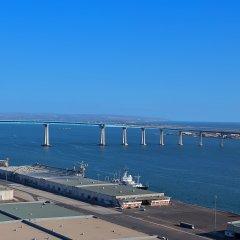 Отель Hilton San Diego Bayfront пляж фото 2
