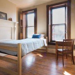 Отель Found Places Capitol Hill Bed & Breakfast США, Вашингтон - отзывы, цены и фото номеров - забронировать отель Found Places Capitol Hill Bed & Breakfast онлайн комната для гостей фото 2