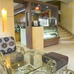 Makati Palace Hotel с домашними животными