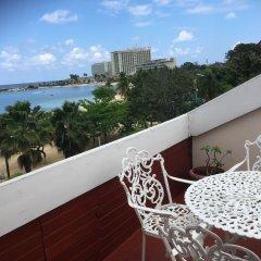 Отель SandCastles Deluxe Beach Resort Ямайка, Очо-Риос - отзывы, цены и фото номеров - забронировать отель SandCastles Deluxe Beach Resort онлайн балкон