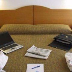 Отель St Gregory Park удобства в номере
