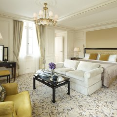 Shangri-La Hotel Paris комната для гостей