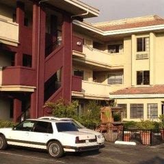 Executive Inn Hotel городской автобус