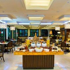 Отель The Leela Palace Bangalore питание фото 3