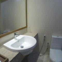 Отель Maakanaa Lodge Мальдивы, Мале - отзывы, цены и фото номеров - забронировать отель Maakanaa Lodge онлайн ванная