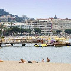 Отель ibis Cannes Plage La Bocca Франция, Канны - отзывы, цены и фото номеров - забронировать отель ibis Cannes Plage La Bocca онлайн пляж фото 2