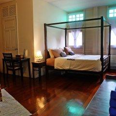 Отель 24 Samsen Heritage House Бангкок комната для гостей фото 4