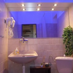 Отель Pink House Apartments Чехия, Прага - отзывы, цены и фото номеров - забронировать отель Pink House Apartments онлайн ванная фото 2