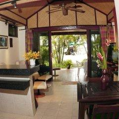 Отель Friendship Beach Resort & Atmanjai Wellness Centre интерьер отеля