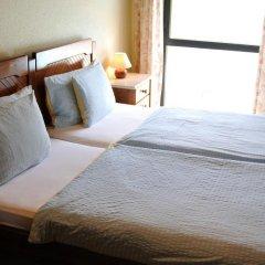 Отель Residência Água de Madeiros комната для гостей
