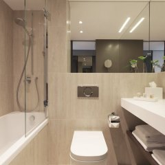 Отель Crowne Plaza Geneva Швейцария, Женева - отзывы, цены и фото номеров - забронировать отель Crowne Plaza Geneva онлайн ванная фото 2