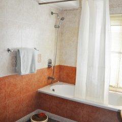 Отель Temple Tiger Thamel Apartment Непал, Катманду - отзывы, цены и фото номеров - забронировать отель Temple Tiger Thamel Apartment онлайн ванная фото 2