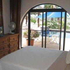 Отель Villa Serrana Мексика, Педрегал - отзывы, цены и фото номеров - забронировать отель Villa Serrana онлайн комната для гостей фото 2