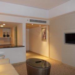 Отель Radisson Hyderabad Hitec City комната для гостей