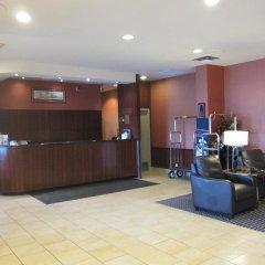 Отель Travelodge by Wyndham Toronto East интерьер отеля фото 3
