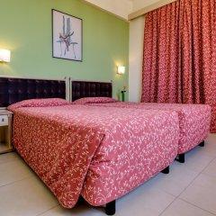 Stamatia Hotel сейф в номере