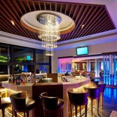 Отель JW Marriott Khao Lak Resort and Spa гостиничный бар