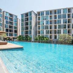 Отель THE BASE Uptown By Favstay Таиланд, Пхукет - отзывы, цены и фото номеров - забронировать отель THE BASE Uptown By Favstay онлайн бассейн фото 2