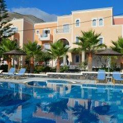 Castro Hotel бассейн