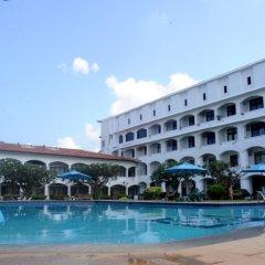 Hotel Lanka Super Corals бассейн