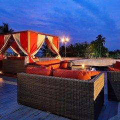 Отель Cinnamon Bey Шри-Ланка, Берувела - 1 отзыв об отеле, цены и фото номеров - забронировать отель Cinnamon Bey онлайн бассейн фото 3
