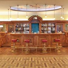 TH Madonna di Campiglio - Golf Hotel Пинцоло гостиничный бар