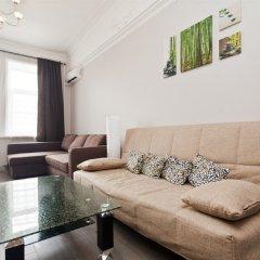 Апартаменты LUXKV Apartment on Zemlyanoy Val 52 комната для гостей фото 4