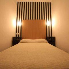 Отель Hostal Los Geranios Del Pinar Торремолинос комната для гостей фото 3