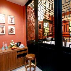 Shanghai Mansion Bangkok Hotel 4* Стандартный номер с различными типами кроватей фото 14