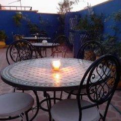 Отель Riad Porte Des 5 Jardins Марокко, Марракеш - отзывы, цены и фото номеров - забронировать отель Riad Porte Des 5 Jardins онлайн питание