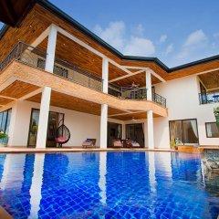 Отель Phoenix Lakeside Pool Villa бассейн