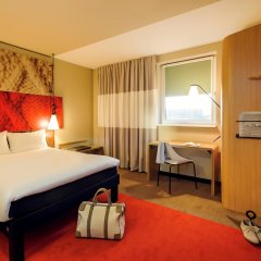 Отель Ibis Hamburg City Германия, Гамбург - 2 отзыва об отеле, цены и фото номеров - забронировать отель Ibis Hamburg City онлайн комната для гостей