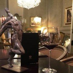 Отель Relais & Chateaux Hotel Heritage Бельгия, Брюгге - 1 отзыв об отеле, цены и фото номеров - забронировать отель Relais & Chateaux Hotel Heritage онлайн интерьер отеля фото 3