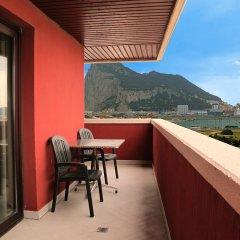 Отель Ohtels Campo De Gibraltar балкон
