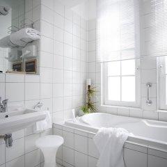 Отель Collège Hôtel Франция, Лион - отзывы, цены и фото номеров - забронировать отель Collège Hôtel онлайн ванная